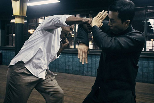 """Màn """"so găng"""" nảy lửa giữa Chân Tử Đan và Mike Tyson - 1"""