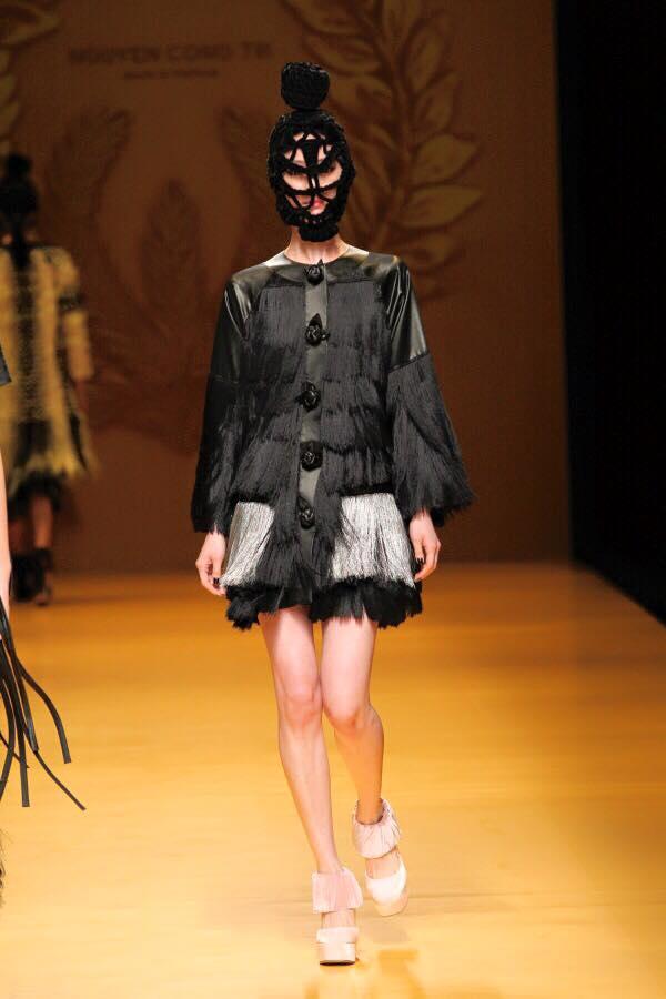 Mẫu mang mặt nạ của Công Trí gây chú ý ở Tokyo - 12
