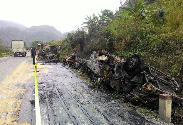 Tai nạn ở Hòa Bình: 230 triệu bị thiêu rụi trong xe khách? - 3