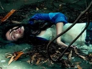 Sao Việt uống nước thải, bò lê lết khi đóng phim