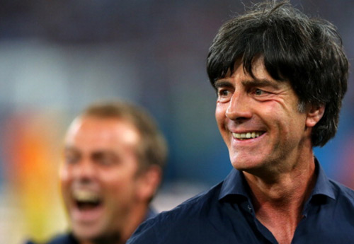 CĐV Arsenal muốn Joachim Low thay Arsene Wenger - 1