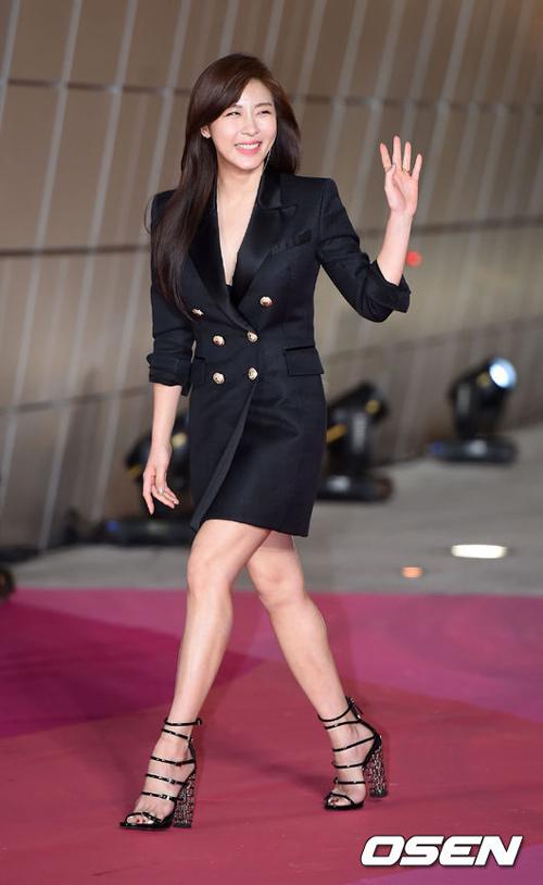 """""""Hoa hậu đẹp nhất Hàn Quốc"""" bỗng gợi cảm... hết cỡ - 10"""