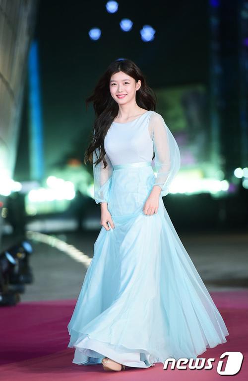 """""""Hoa hậu đẹp nhất Hàn Quốc"""" bỗng gợi cảm... hết cỡ - 11"""