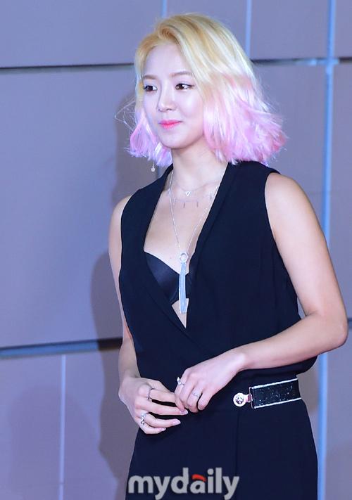 """""""Hoa hậu đẹp nhất Hàn Quốc"""" bỗng gợi cảm... hết cỡ - 4"""