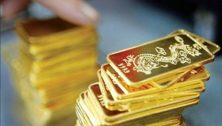 Vàng tiếp tục giảm, tỷ giá USD ổn định - 1