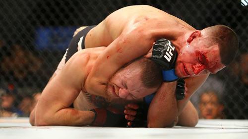 "Tin thể thao HOT 16/3: Diaz ""bảo vệ"" danh dự cho McGregor - 1"