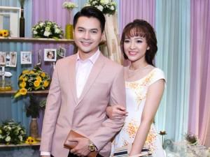 Ca nhạc - MTV - Nam Cường và vợ hot girl quấn quýt chốn đông người