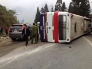 Video An ninh - Lật xe khách ở Sapa, 1 người chết, 14 người bị thương