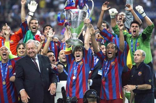 Nếu Wenger là HLV của Barca... - 1