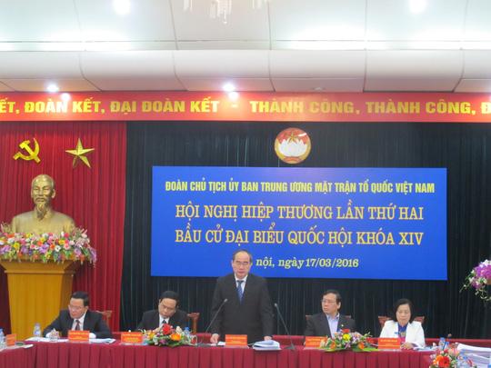 Tất cả 19 Ủy viên Bộ Chính trị ứng cử đại biểu QH khoá XIV - 1