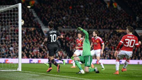 MU - Liverpool: Quyết tâm là chưa đủ - 2