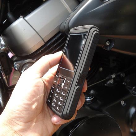 Điện thoại siêu bền, pin khủng cháy hàng ngày cuối khuyến mại - 2