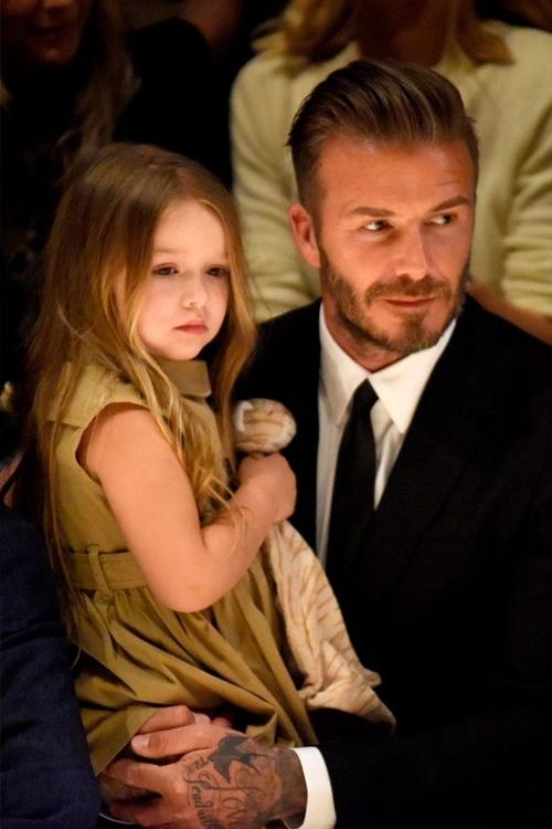 Victoria Beckham đã tự hào về con gái út - 3