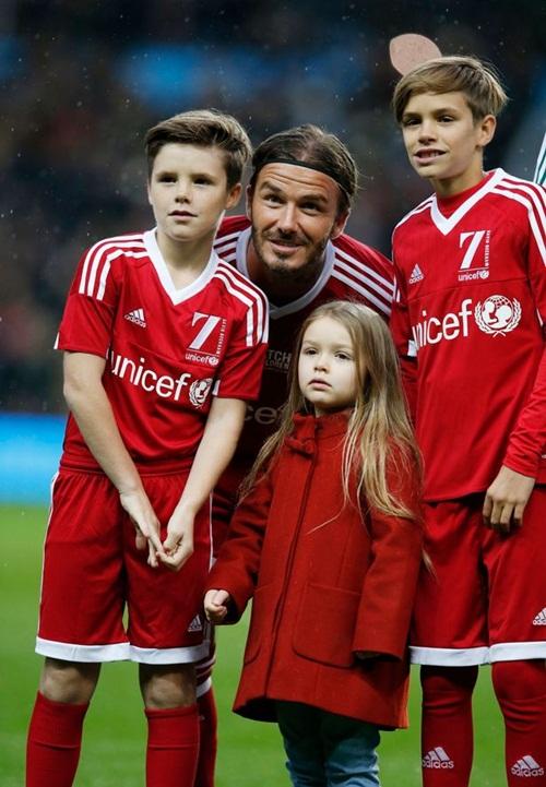 Victoria Beckham đã tự hào về con gái út - 4