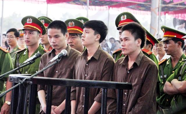 Hoãn xử phúc thẩm vụ thảm sát ở Bình Phước - 1