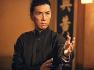 Chân Tử Đan quyết chiến võ sư Muay Thái trong thang máy