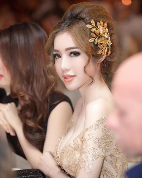 Báo Thái khen Elly Trần đẹp hơn bội phần sau sinh - 2