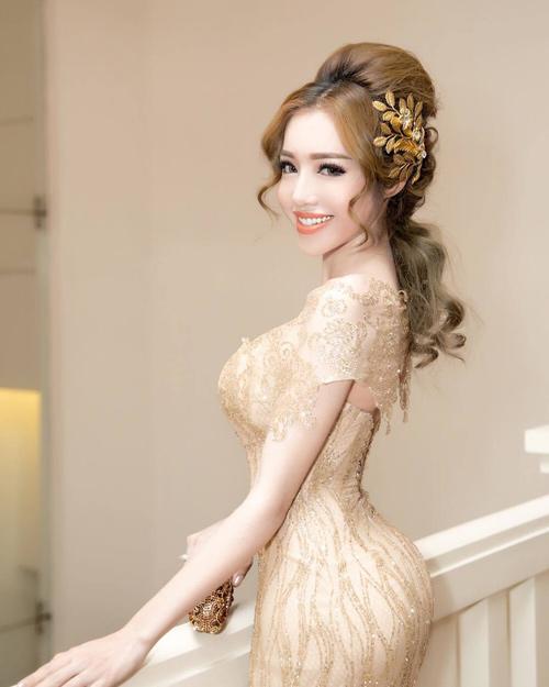 Báo Thái khen Elly Trần đẹp hơn bội phần sau sinh - 3