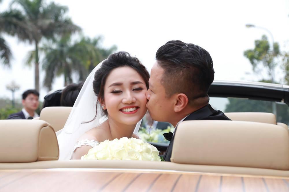 3 hôn lễ bạc tỷ gây xôn xao dư luận của mỹ nữ Việt - 1