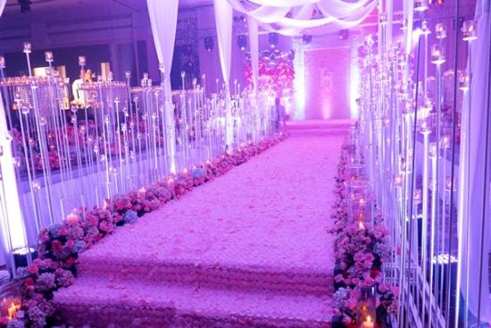 3 hôn lễ bạc tỷ gây xôn xao dư luận của mỹ nữ Việt - 9