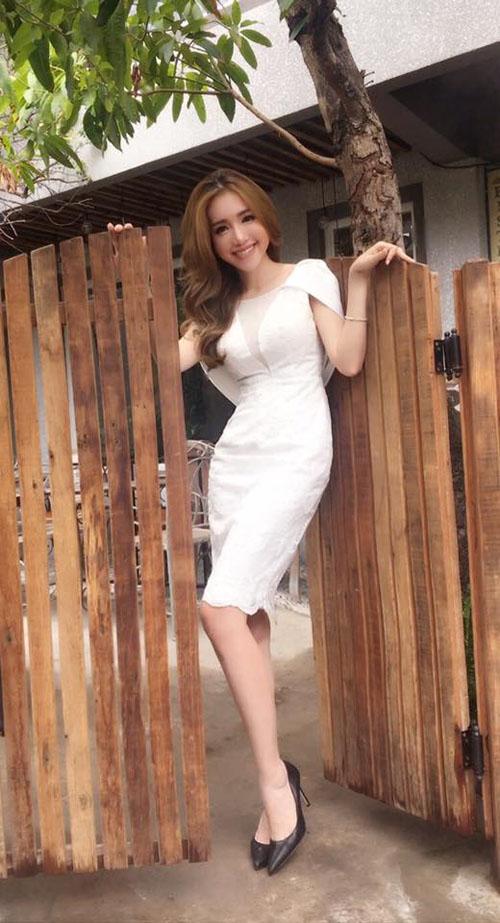 Facebook sao 19/3: Phan Hiển khoe con trai cưng - 9