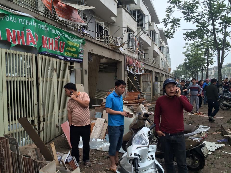 Nổ lớn tại KĐT Văn Phú-Hà Đông, nhiều người thương vong - 16