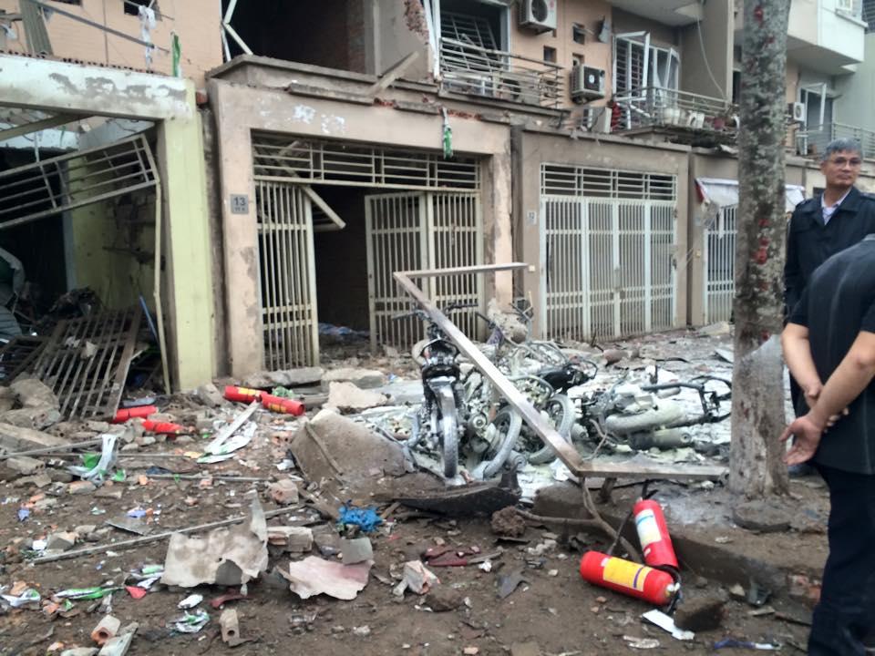Hiện trường tan hoang sau vụ nổ khủng khiếp ở Văn Phú-Hà Đông - 2