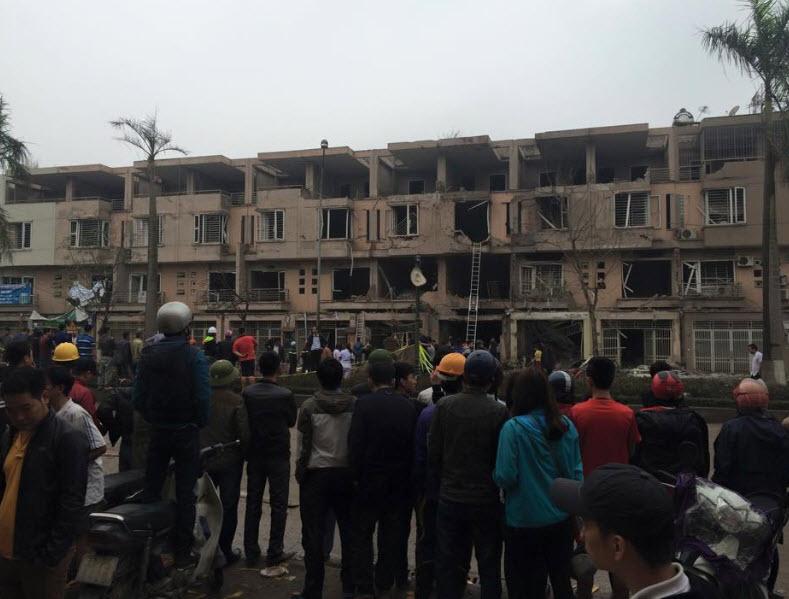 Hiện trường tan hoang sau vụ nổ khủng khiếp ở Văn Phú-Hà Đông - 11