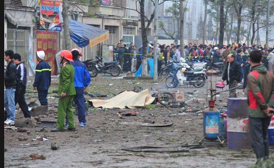Hiện trường tan hoang sau vụ nổ khủng khiếp ở Văn Phú-Hà Đông - 14