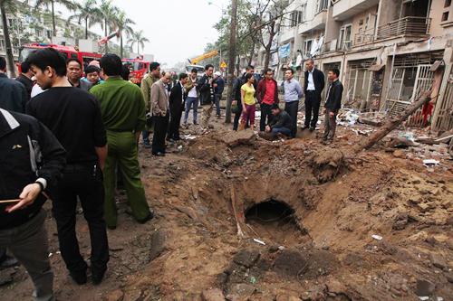 """Vụ nổ lớn ở Văn Phú: """"Con thơ dại đang đợi mẹ ở nhà"""" - 1"""