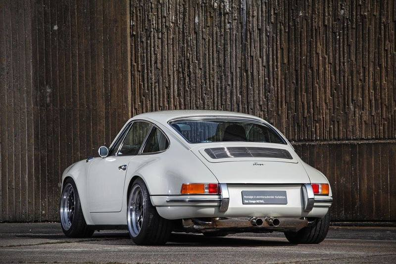 Phiên bản độ Porsche 911 1972 của KAEGE cực phá cách - 2