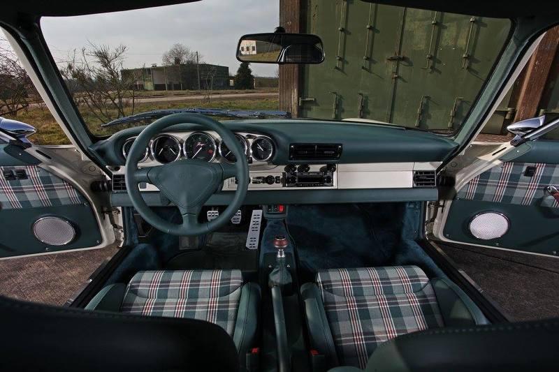 Phiên bản độ Porsche 911 1972 của KAEGE cực phá cách - 7