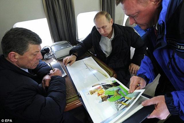 """Cầu không xây xong, Putin dọa """"treo"""" người liên quan - 2"""