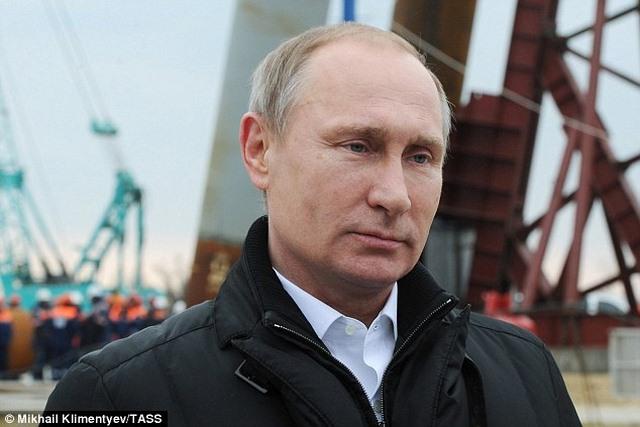 """Cầu không xây xong, Putin dọa """"treo"""" người liên quan - 3"""