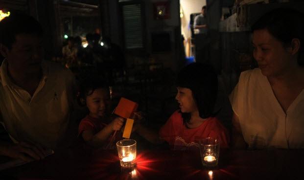 Hà Nội, Sài Gòn tắt đèn hưởng ứng Giờ trái đất 2016 - 17