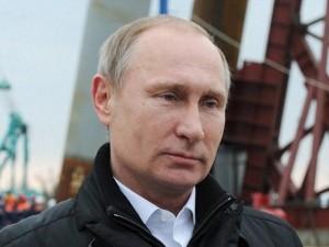 """Cầu không xây xong, Putin dọa """"treo"""" người liên quan"""