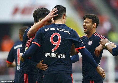 Cologne - Bayern: Suýt có biến - 1