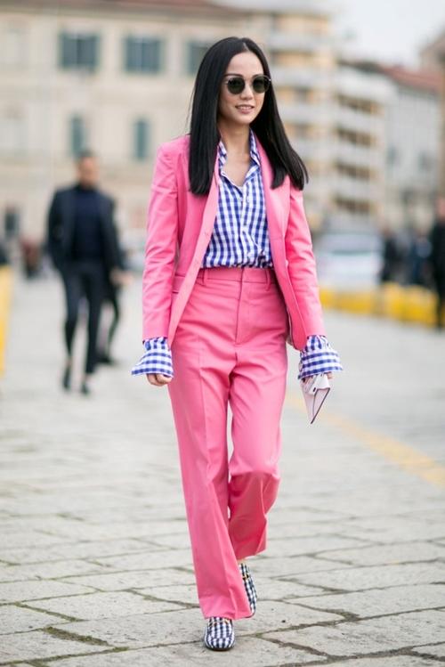 5 cách mặc để màu hồng không còn làm khó bạn - 1
