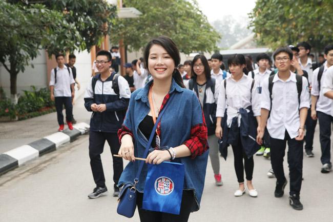 """Teen Hà thành rạng rỡ """"check in"""" tại """"vườn địa đàng"""" - 1"""
