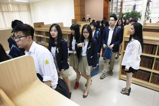 """Teen Hà thành rạng rỡ """"check in"""" tại """"vườn địa đàng"""" - 13"""