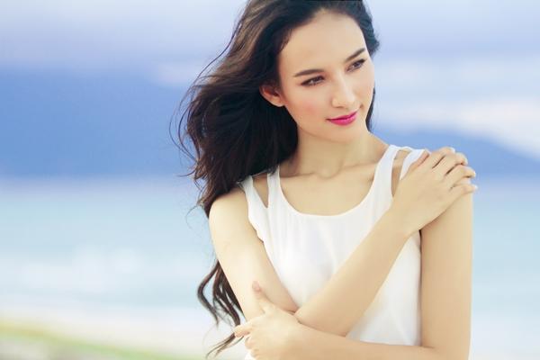 Hoa hậu Ngọc Diễm chăm chút cho vẻ đẹp tinh thần - 2