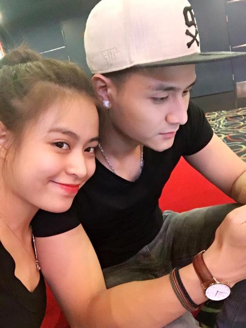Facebook sao 20.3: Hoàng Thùy Linh khoe ảnh hẹn hò - 2
