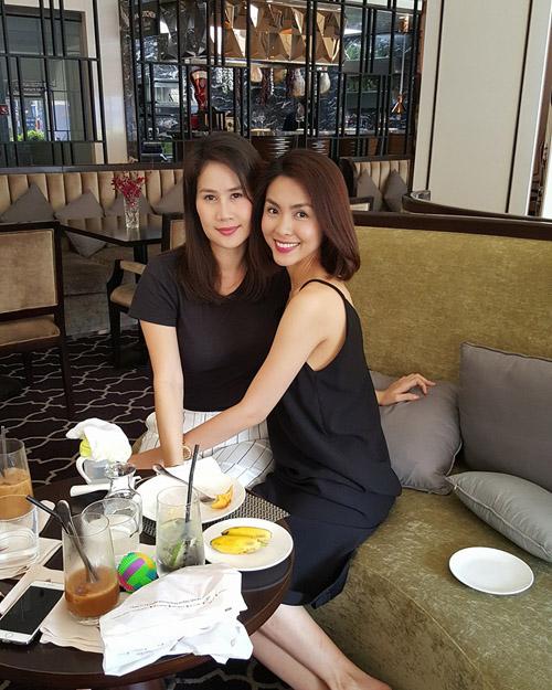 Facebook sao 20.3: Hoàng Thùy Linh khoe ảnh hẹn hò - 3