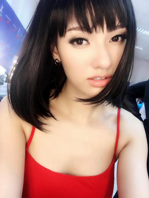 Facebook sao 20.3: Hoàng Thùy Linh khoe ảnh hẹn hò - 13