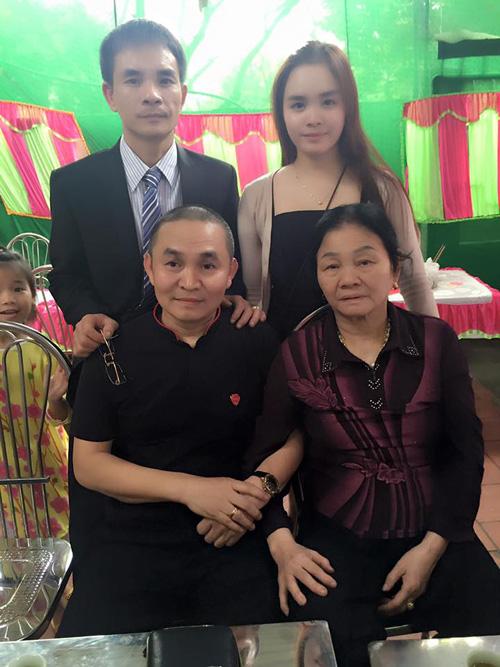 Facebook sao 20.3: Hoàng Thùy Linh khoe ảnh hẹn hò - 14