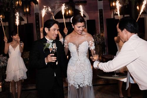 Cận cảnh đám cưới xa hoa của Trang Lạ và chồng Việt kiều - 12