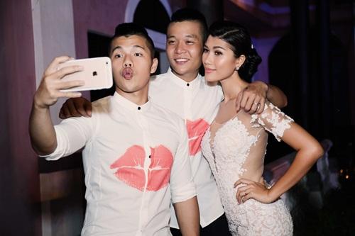 Cận cảnh đám cưới xa hoa của Trang Lạ và chồng Việt kiều - 13