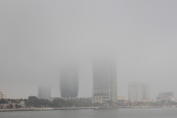 Đà Nẵng bỗng dưng chìm trong sương mù - 6