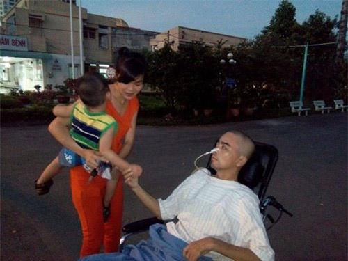 """3 người vợ """"chiến binh"""" bên sao Việt lúc trọng  bệnh - 13"""