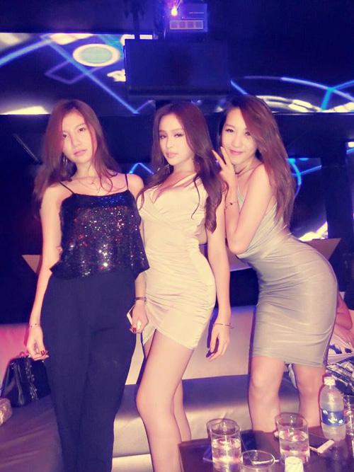 Vẻ sexy của bộ ba hot girl đình đám Hà thành một thời - 2